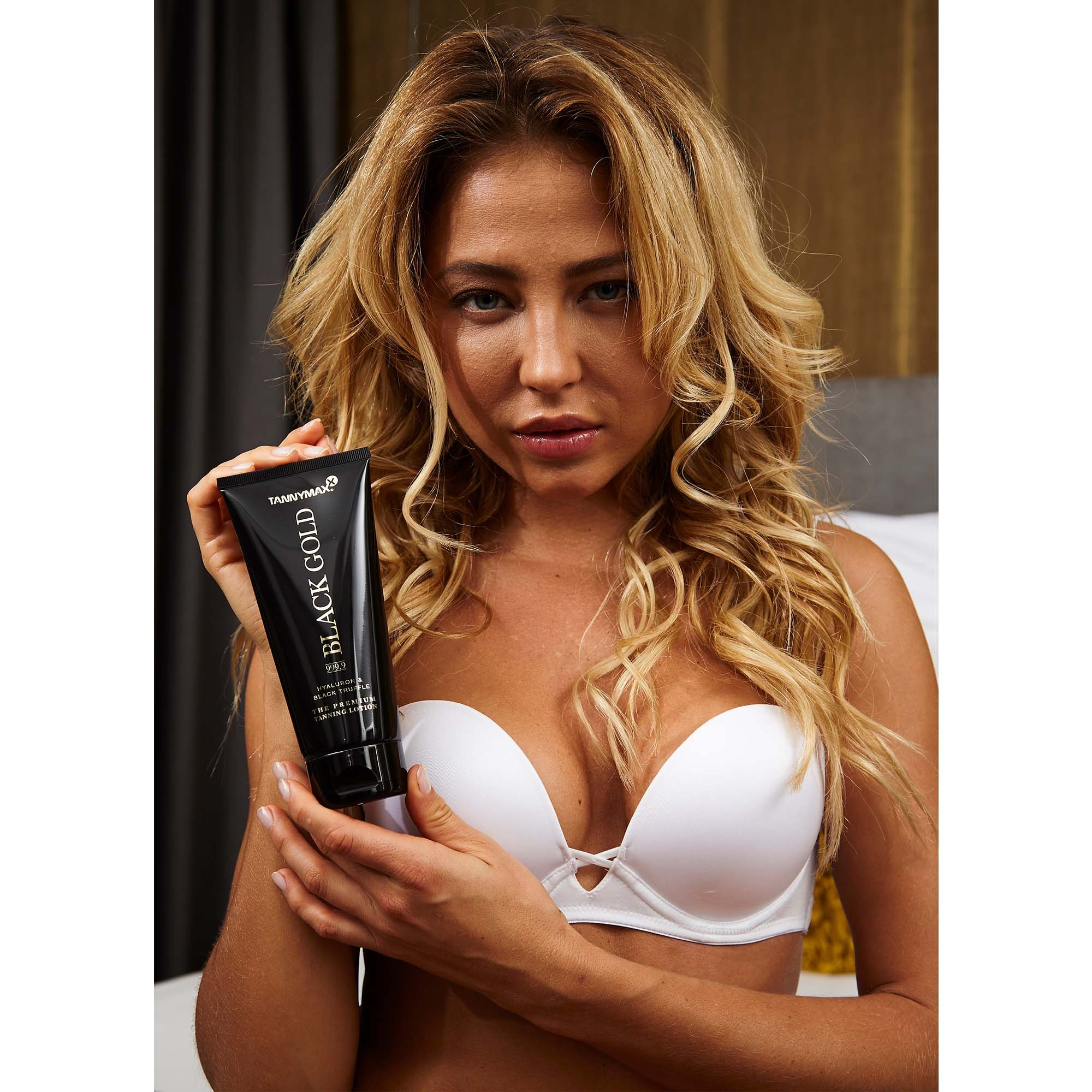 Model 1 - Black Gold Tanning Lotion + Bronzing